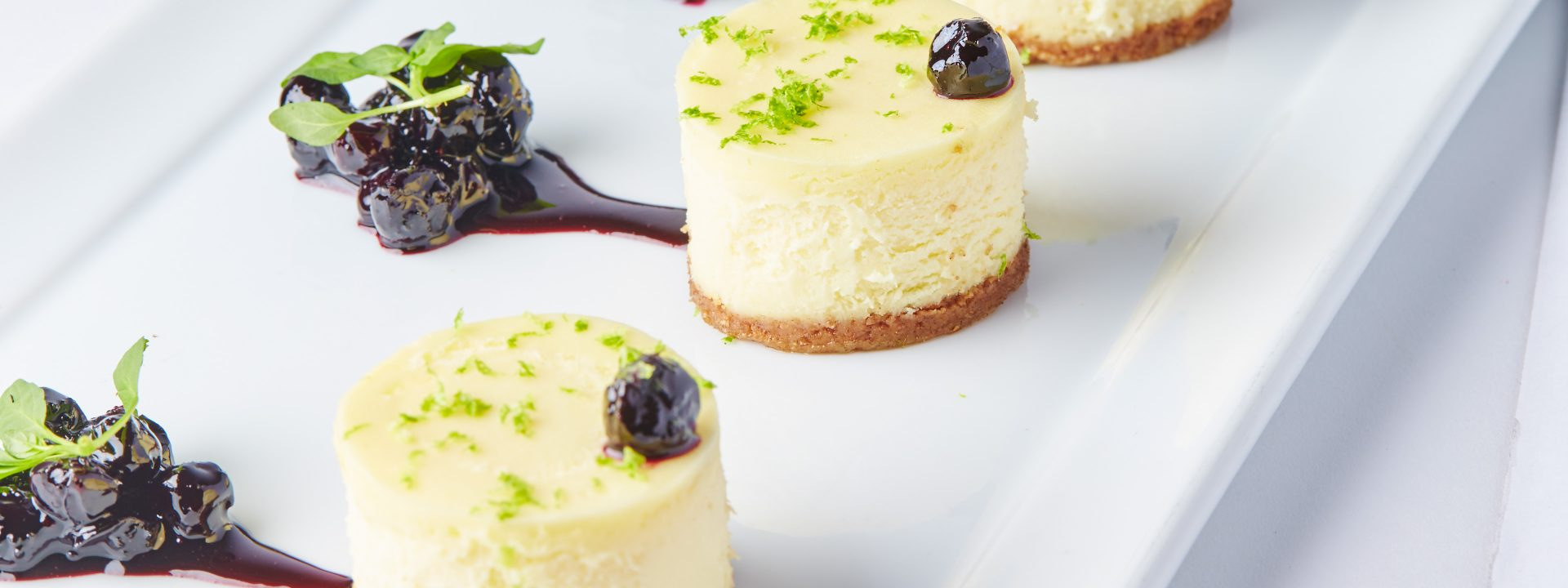 cheesecake blueberry compote
